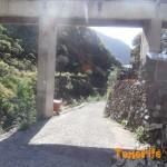 Zona de Vallesco pista asfaltada donde termina el PR que viene de Pico del Inglés