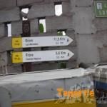 Detalle en Los Silos en la salida indicación de los dos PR 53 y 54, calle Susana