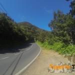 Carretera durante unos 50 m la primera a la izquierda